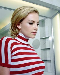 Famous stripes - Charlize Theron