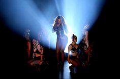 Los VMA 2014 fueron sencillamente inolvidables. Beyonce impactó con su perfomance de 16 minutos. Miley Cyrus fue la ganadora del mejor vídeo del año y Katty Perry al mejor video femenino. http://www.liniofashion.com.co/linio_fashion/ropa-para-mujeres?utm_source=pinterest&utm_medium=socialmedia&utm_campaign=COL_pinterest___fashion_premiosvma_20140911_9&wt_sm=co.socialmedia.pinterest.COL_timeline_____fashion_20140911premiosvma.-.fashion