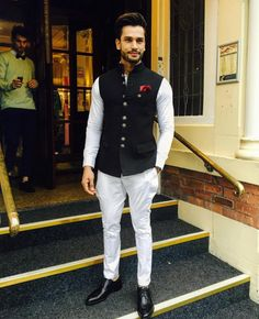 We take a look at the various style lessons from Rohit Khandelwal Mens Wedding Wear Indian, Indian Wedding Clothes For Men, Wedding Kurta For Men, Mens Indian Wear, Mens Ethnic Wear, Indian Groom Wear, Wedding Dress Men, Indian Men Fashion, Indian Man