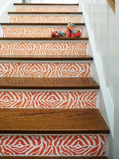 Wild-Side Staircase from http://www.bhg.com/decorating/do-it-yourself/accents/staircase-ideas/#page=5