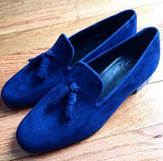 Such a bold color but I love it. Great tassel loafers that can easily be dressed up
