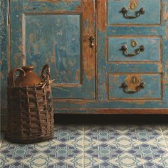 Revamp your tired kitchen with beautiful Victorian floor tiles from our flooring range. Primitive Furniture, Antique Furniture, Victorian Tiles, Ivy House, Style Tile, Paint Furniture, Furniture Buyers, Tile Patterns, Furniture Inspiration