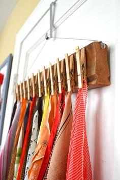 How to make a DIY scarf organizer