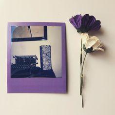 Dos productos en uno: película #impossibleproject y #wlamp #photography #fotografia #analogic #fotos #vintagestyle #paperlamps #polaroidfun #gouconcept
