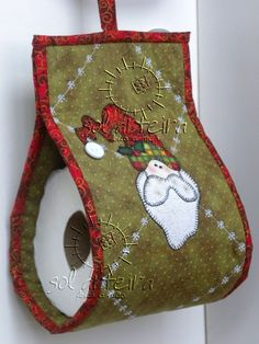 make it a snowman Christmas Makes, Christmas Art, Christmas Projects, Christmas Stockings, Christmas Holidays, Quilted Table Runners Christmas, Christmas Patchwork, Christmas Sewing, Diy Crafts To Sell