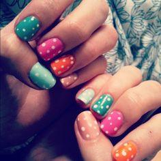 Polkadots Nails Art!