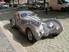 The Devaux Coupe is an Australian automobile built from 2001 and still is. Designed by David J Clash in Australia. Engine options - litre Jaguar or GM kW and 470 N·m of torque. Dream Cars, My Dream Car, Cars Vintage, Antique Cars, Concept Cars, Classic Trucks, Classic Cars, Art Deco Car, Auto Retro