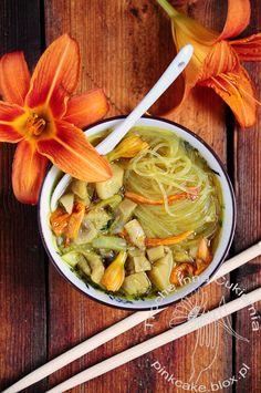 zupa tom yum z liliowcem