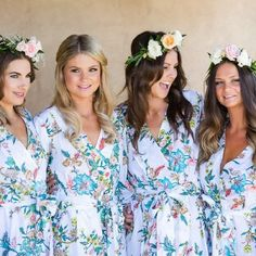 Pretty bridesmaid robes for the wedding day