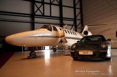 Private Plane and her Porsche 997 Targa jet 997 Targa Private Plane, Private Jets, Jeep Range, Trains, Night Picnic, Male Toys, Jet Fly, Hennessey Venom Gt, Luxury Jets