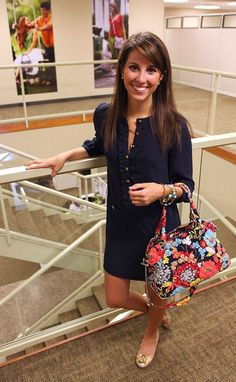I love Vera Bradley patterns but I always wonder how women manage to make them part of a chic outfit. Love this!