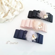 グログランリボンとミンクファーのバレッタ Ribbon Jewelry, Ribbon Art, Ribbon Hair Bows, Diy Hair Bows, Diy Ribbon, Ribbon Crafts, Hair Jewelry, Kids Hair Accessories, Handmade Accessories