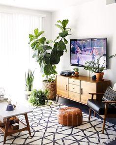 This living room though. Boho Living Room, Home And Living, Living Room Decor, Living Room Inspiration, Home Decor Inspiration, Room Interior, Interior Design, Family Room, Decoration