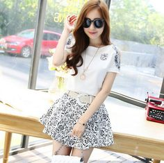Fashion Print Short Sleeved Two-Piece
