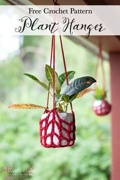 Terrific Pic Crochet Plant Hanger - Free Crochet Pattern - Whistle and Ivy Concepts If there is small room for the keeping of flowerpots, holding flowerpots certainly are a great Optio Crochet Home Decor, Crochet Crafts, Easy Crochet, Crochet Projects, Free Crochet, Crochet Ideas, Crochet Plant Hanger, Plant Hangers, Articles Pour Enfants