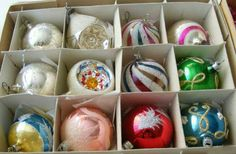 Koule Easter Eggs, Christmas Decorations, Ornaments, Nostalgia, Ornament, Christmas Decor, Christmas Tables, Christmas Jewelry, Decor