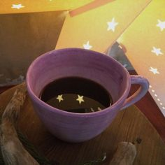 I couldn't help myself...had to add some stars in my coffee | REFLEX . Good morning! • #omeucafédamanha #onthetable #xmaslights  10.12.15