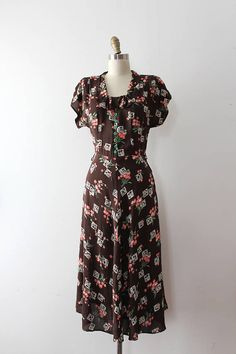 vintage 1940s rayon dress // 40s novelty floral rayon day