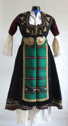 Bulgarian national costumes: Thracian Bulgaria costume-region of west Thrace