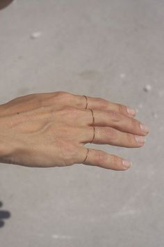 Slim wired rings