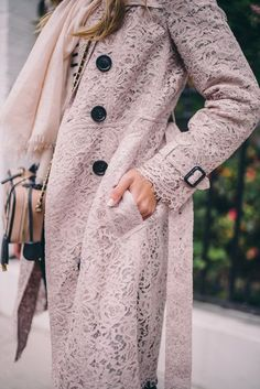 Pink lace trench. Feminine details. Lace coat. Fashion blogger.