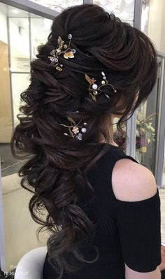 Long Wedding Hairstyles from Elstile / http://www.himisspuff.com/long-wedding-hairstyles-from-elstile/13/