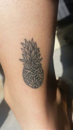 Ananas pineapple tattoo. <3 the ananas feeling