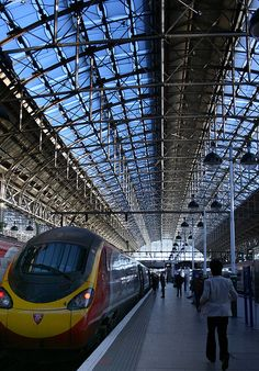 Manchester Piccadilly Train Station, could be used for primary research on train station architecture Manchester England, London England, Manchester Piccadilly, Level Design, Trains, Bonde, British Rail, Train Tracks, The Journey