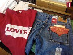 Personaliza tus prendas Levi´s con tachuelas, rotos, bordados o parches en las tiendas oficiales de la marca ➡ www.gruponumero1.com/marcas/levis