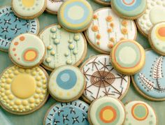 Love the patterns on these sugar cookies