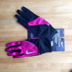 LISTING ✅Women's NIKE Dri-Fit Running Gloves Pink & Black in color. Nike Accessories Gloves & Mittens