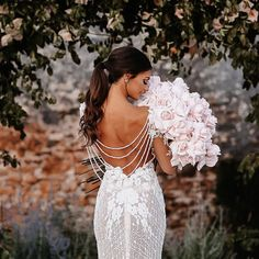 Perfection of pearl #GaliaLahav #vakkowedding #bridal Trumpet Style Wedding Dress, Gorgeous Wedding Dress, Boho Wedding Dress, Designer Wedding Dresses, Chic Wedding, Wedding Gowns, Sparkle Wedding, Wedding Ideas, Bridal Gown