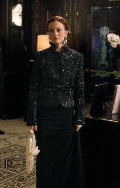 "The CW Network. ""The Hurt Locket"" Blair Waldorf (Leighton Meester) wears a Victoria Beckham gown, Moschino coat, House of Lavande earrings and Valentino clutch. Gossip Girl Blair, Gossip Girls, Moda Gossip Girl, Estilo Gossip Girl, Blair Waldorf Gossip Girl, Gossip Girl Seasons, Gossip Girl Outfits, Gossip Girl Fashion, Estilo Blair Waldorf"
