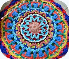 EU TAMBÉM CROCHETO...: Cores, Texturas e Sobreposições: Mandala Overlay em Trapilho