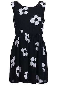 Black Pleated Floral Dress. Description Black dress, featuring scoop neck, sleeveless, rear zipper, contrasting flowers print throughout, pleated hem, lined. Fabric Chiffon. Washing Cool hand wash with similar colours, do not tumble dry. #Romwe
