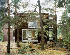 This Swedish Summer House is Peak Mod-Cabin-in-the-Woods - Curbedclockmenumore-arrownoyes :