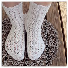 Ravelry: Moonikat pattern by Niina Laitinen Slipper Socks, Slippers, Knitting Socks, Knit Socks, Knitting Ideas, One Color, Colour, Yarn Colors, Ravelry