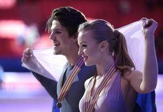 Alexandra Stepanova and Ivan Bukin, of Russia, pose with their фото (photo)