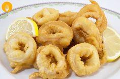 """Calamares a la romana Hoy os traemos un plato típico de muchos países de la zona del Mediterráneo, se trata de unos calamares rebozados, también llamados """""""