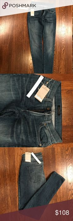 *NEW* James Jeans Twiggy 5-pocket legging size 29 New, never been worn James Jeans. Tags still on. Twiggy Karma, 5-Pocket Legging size 29. James Jeans Jeans Skinny