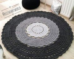 """278 curtidas, 3 comentários - Anah Ateliê (@anah_atelie) no Instagram: """"Uau! Olha que tapete lindo!  Da artesã @eceshobbyworld . . . . . #tapetesobencomenda…"""" Instagram, Crochet, Home Decor, Crochet Carpet, Farmhouse Rugs, Cute, Atelier, Decoration Home, Room Decor"""