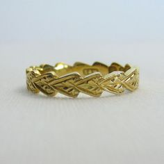Vintage Yellow Gold Wedding Band. Beautiful Engraved Leaf Pattern, Circa 1950s. | Addy | $338