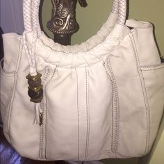 Fossil ~ Quality Leather (buttery) Tote/Hand Bag This bag comes from a non smoking home and has been gently used. Great condition and so comfortable to carry! Fossi Bags Hobos