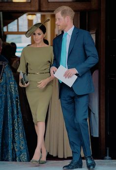 Prince Louis' christening brought out the full royal family including Prince William, Kate Middleton, Prince Harry, and Meghan Markle. Meghan Markle Stil, Estilo Meghan Markle, Meghan Markle Dress, Meghan Markle Outfits, Meghan Markle Fashion, Pippa Middleton, Looks Kate Middleton, Vestidos Ralph Lauren, Robes Ralph Lauren
