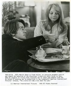 Resource and Fansite for the 1976 movie The Little Girl Who Lives Down The Lane. Martin Sheen Young, 1970s Movies, Taking Lives, The Boy Next Door, Perfect Strangers, Young Celebrities, Jodie Foster, Hooray For Hollywood, 13 Year Olds