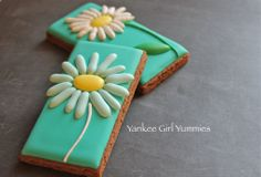 Daisy on square cookie~       Yankee Girl Yummies on Facebook, White, teal