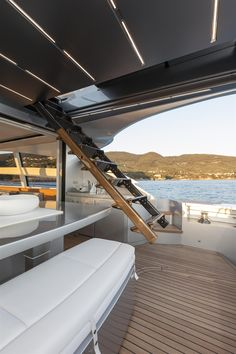 External view Pershing Yacht - Pershing 82' #yacht #luxury #ferretti #pershing