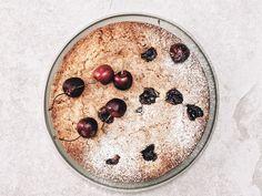 Easy Desserts, Dessert Recipes, Pistachio Recipes, Cherry Cake, Bean Paste, Juicy Fruit, Cake Tasting, Stuffed Shells, Cake Pans