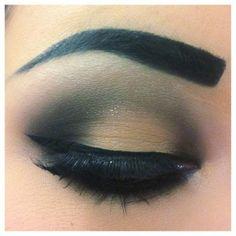 Great Eyeshadow...but fake eyebrow!