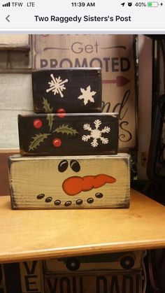 Wood Block Snowman Craft Christmas Decorations Snowman Crafts wooden blocks for crafts - Wood Crafts Christmas Wood Crafts, Diy Christmas Decorations Easy, Christmas Projects, Holiday Crafts, Christmas Diy, Christmas Ornaments, Winter Wood Crafts, Christmas Crafts To Make And Sell, Christmas Signs Wood